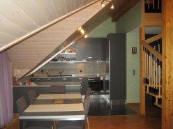 Gland spacieux et lumineux attique