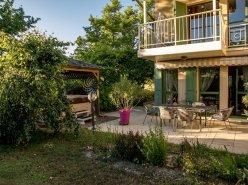 Vich, ravissante et spacieuse villa jumelle